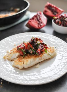 Toasted Coconut Tilapia with Salsa. Flaky toasted coconut tilapia topped with pomegranate salsa Fish Recipes, Seafood Recipes, Cooking Recipes, Healthy Recipes, Salmon Recipes, Healthy Food, Seafood Dishes, Fish And Seafood, Gastronomia