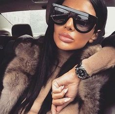 Inspired Kadashian Zonnebril - Look a Like - Zonnebrillen - Sunglasses - Prada - Chanel - Celine Running Sunglasses, Sunglasses Women, Sunglasses Sale, Oversized Sunglasses, Womens Fashion Online, Latest Fashion For Women, Cheap Glasses Online, Lady, Cute Glasses