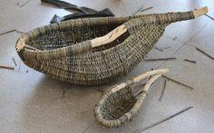 Sommerkurser i Lichtenfels / Summer Academy in Lichtenfels. Basket Willow, Big Basket, Willow Weaving, Basket Weaving, Diy And Crafts, Arts And Crafts, Primitive Survival, Horseshoe Art, Weaving Art