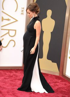Red carpet during pregnancy? Just wear this. Perfection.