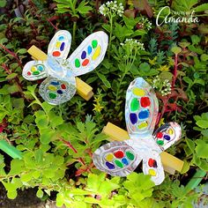 Turn craft foil and a clothespin into this adorable and colorful foil clothespin butterfly. Perfect for holding photos, hanging stuff up and more. Diy Arts And Crafts, Fun Crafts, Crafts For Kids, Craft Tutorials, Craft Projects, Craft Ideas, Craft Foil, Butterfly Crafts, Butterfly Art