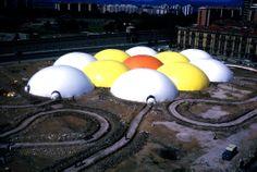 CÚPULAS NEUMÁTICAS, 1972  CONSTRUIDO: Sede de los Encuentros de Arte de Pamplona en 1972.