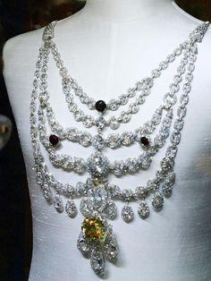 Collar del Maraja de Patiala DINASTÍAS | Los Foros de la Realeza • Ver Tema - Las joyas de los maharajás