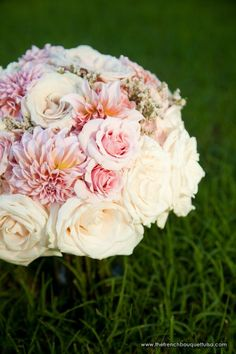 Nice textures with the use of blush dahlias and roses.