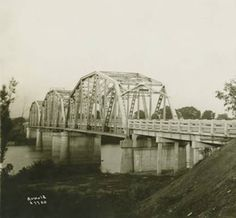 John H. Bankhead Bridge over the Coosa River in Riverside, Alabama at the St. Clair/Talladega County Line. Alabama Photographs and Pictures Collection Pell City Alabama, Sweet Home Alabama, Picture Collection, United States, 50 States, Historical Photos, Small Towns, Birmingham, River