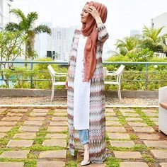 60 Ideas for fashion hijab style chic beautiful Arab Fashion, Islamic Fashion, Muslim Fashion, Modest Fashion, Look Fashion, Fashion Tips, Hijab Fashion Summer, Trendy Fashion, Muslim Dress