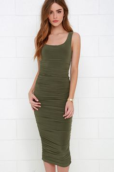 Summon your sexiness in the Posh and Polished Olive Green Midi Dress! Soft and slinky knit fabric creates a sleeveless bodice with a scoop neckline. Ruching all down the sides accents this sultry midi dress for a super-flattering fit. Khaki Green Dress, Olive Green Dresses, Green Midi Dress, Lace Midi Dress, Ruched Dress, Dress Up, Bodycon Dress, Party Fashion, Beautiful Outfits