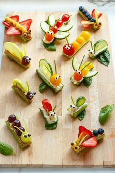 Fruit & Vegetable Bug Snacks for Envirokidz – www.c… Fruit & Vegetable Bug Snacks for Envirokidz – www. Bug Snacks, Snacks Für Party, Healthy Snacks, Fruit Snacks, Kids Fruit, Bug Party Food, Healthy Kids Party Food, Fruits For Kids, Fruit Fruit