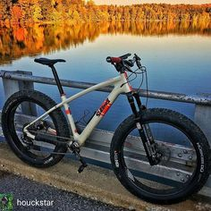 Fall riding is the best from @houckstar - The colors are changing and it's going to go quickly. Get out and soak it in! #fatbikes #fatbike_29plus_life #mtb #mountainbiking #saltedbikes #saltedSandfly #diceolliewheels #dirtworkscomponents #45nrth #yorkbike #outsideisfree #yorkcountyparks #StravaPhoto #PAspots PAspots