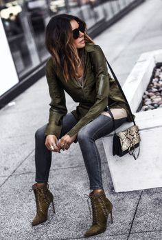 Going Green: The Bomber Source by fashionedchic outfits chic Mode Outfits, Stylish Outfits, Winter Outfits, Fashion Outfits, Womens Fashion, Fashion Trends, Rock Chic Outfits, Winter Clothes, Winter Dresses