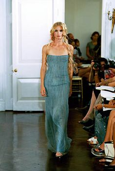 Richard Tyler | Spring 2000 Ready-to-Wear | 63 Green strapless maxi dress