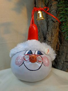 Hand painted gourd snowman by Debbie Easley on Etsy. #gourdsnowman#paintedgourd