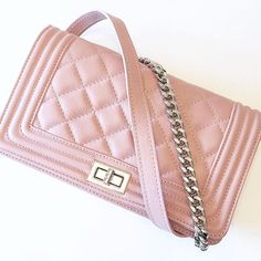 HELLO ..... BEAUTY   #goodmorning #morning #morningworld #beautiful #wonderful #new #newin #humanic #loveit #pink #love #instadaily #instagram #instamood #insta #potd #picturebyme #mylifeinpictures #weekend #weekendlove #weekendlover #fashion #austrianblogger #austria #fm #tfl #niceday Chanel Boy Bag, Shoulder Bag, Austria, Instagram Posts, Pink, Pictures, Bags, Beauty, Beautiful