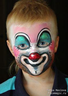 Face paint by Tanya Maslova. Kids Makeup, Clown Makeup, Halloween Kids, Halloween Makeup, Clown Face Paint, Skin Paint, Send In The Clowns, Clown Faces, Cartoon Painting