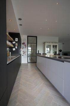 - Lilly is Love Beautiful Kitchen Designs, Beautiful Kitchens, Cool Kitchens, Wood Floor Kitchen, New Kitchen, House Arch Design, White Oak Floors, Dining Room Inspiration, Minimalist Kitchen