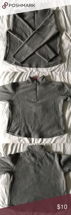 """Polar Edge Gray Fleece Jacket It is in excellent condition has been worn maybe twice. The collar has a shows light pink on the inside. It's very warm and comfy! Length- 22"""" Across The Chest- 22"""" Arm Span- 60"""" Jackets & Coats"""