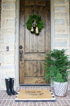 simple Christmas porch, club botanic live wreath, modern holiday porch decor