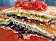 Glutenvrije en veganistische lasagna van quesadilla's