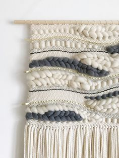 Weaving Loom Diy, Weaving Art, Tapestry Weaving, Hand Weaving, Loom Weaving Projects, Weaving Textiles, Weaving Patterns, Quilt Patterns, Stitch Patterns