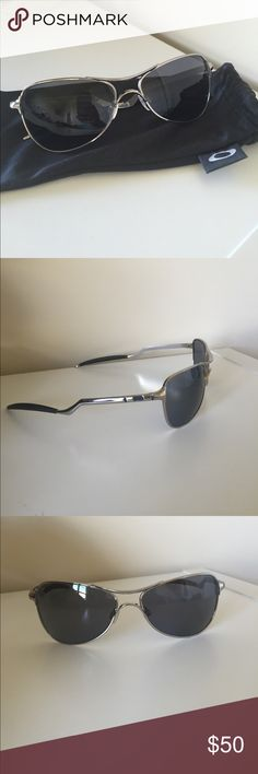 Men's Oakley Aviators Men's Oakley Aviators. Bought for husband new, tried on and didn't like them. No scratches. Comes with bag. Ladies, you can totally rock these too but bought from the men's collection. Oakley Accessories Sunglasses