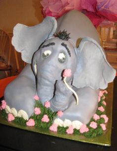 Horton is going to have to fend off hungry cake eaters to protect the Who on his clover.