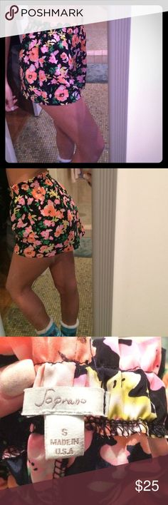 High waisted floral shorts Hardly worn, great condition! Super soft and so cute with a crop top and booties. From Nordstrom Soprano Shorts