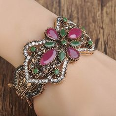 Vintage Resin Flower Bangles Antique Gold Plated Turkish Women Wide Big Bracelet Bangle Full Crystal Hand Jewelry Diameter 6cm Like and share if you think it`s fantastic! Visit our store