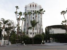 Many travelers to Los Angeles are looking for a dose of nostalgia — a magical bygone era that evokes Tinseltown's golden days. The Argyle, Golden Days, Tower, Street View, Spaces, Sunset, Vintage, Retro, Travel