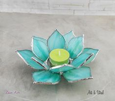 Latest Photo Stained Glass candle holder Ideas Within the fall involving 1998 I made the decision in which My partner and i needed just one more passion to g. Stained Glass Flowers, Stained Glass Crafts, Stained Glass Designs, Stained Glass Patterns, Lotus Candle Holder, Glass Candle Holders, Bunt, Centerpiece, Sun Light
