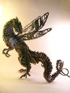As surreais criaturas híbridas nas esculturas de Ellen Jewett - Dragãozinho
