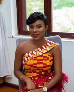 Kente Fabric Designs: See These Kente Styles For Fashionable Ladies - Lab Africa Ghana Dresses, Kente Dress, African Dresses For Kids, African Wear Dresses, African Print Dress Designs, African Print Fashion, African Wedding Attire, African Attire, African Traditional Wedding Dress