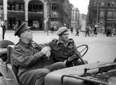 Laurence Olivier and Ralph Richardson in Hamburg during a 1945 ENSA victory tour. I love this photo!
