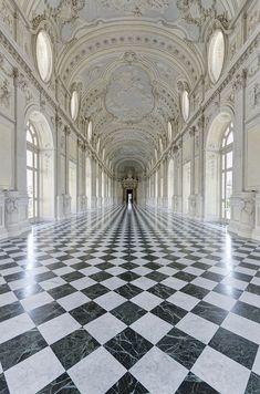 La Galleria Grande, Torino, Italy (by Nikontento)
