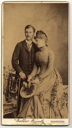 couple - 1889  www.flickr.com/photos/23912178@N08/2455894747/