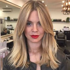 Best Picture For long layered hair straight fine For Your Taste You are looking for something, and i Hair Shaped Around Face, Medium Hair Styles, Curly Hair Styles, Long Layered Hair, Medium Layered, Long Hair Cuts Straight, Brown Blonde Hair, Grunge Hair, Straight Hairstyles