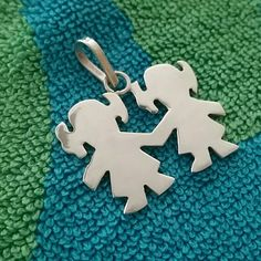 Silver tone 2 girls pendant No stamp shown Jewelry