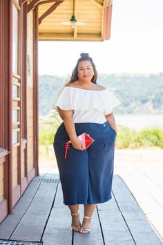 Navy and nautical looks in the summer are always a go-to for me. Add in some touches of gold and you have a fantastic classic look. This was my first time trying out the Rachel Roy plus size collecti