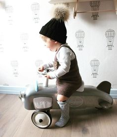 Looking for the ideal gift for your little one? Ride On Toys, Pedal Cars, Child Love, Wood Toys, Outdoor Fun, Cool Kids, Kids Toys, Baby Strollers, Stylish