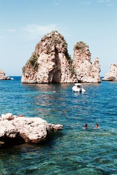 Sicily road trip, Scopello beach is amazing ! Trapani Sicily, Sicily Italy, Packing Tips For Travel, Travel Goals, Italy Culture, Road Trip, Chill, Beach Adventure, Travel Drawing