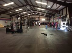 Damn this is a big CrossFit Gym! Jealous...