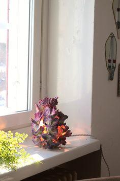 saakka veistoksellisia valaisimia taidegallerian design pop up myymälässä Chinese Restaurant, Pop Up, Glass Vase, Painting, Design, Home Decor, Art, Homemade Home Decor, Craft Art