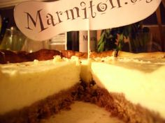Cheese cake (gâteau au fromage blanc) J'utilise des spéculos. Je mets des myrtilles surgelées entre les biscuits et la préparation