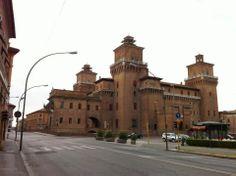 Castello Estense, vista da Viale Cavour - #Ferrara