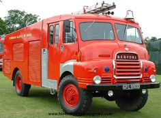 Historical Fire Engines Europe: A unique collection of photographs and technical information about historical fire engines. Fire Dept, Fire Department, Old Trucks, Fire Trucks, Bedford Truck, Cool Fire, Fire Apparatus, Emergency Vehicles, Commercial Vehicle