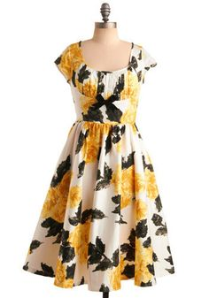 I already own this dress, but putting it up anyway because I love it !!