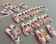 Which pairs should I take?   Can't choose..  I am so excited Houston Ballet's Germany tour  (Ludwigshafen 4/7, 8 and Bonn 4/11, 12 with Stanton Welch's Tapestry, Maninyas, Velocity) and can't wait to see my family.   #houstonballet #germanytour #comingsoon #excited #ballerinalife #bloch #pointeshoes