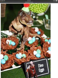Backidee für die nächste Dino-Party >> T-Rex Dinosaur themed birthday party with So Many Awesome Ideas via Kara's Party Ideas! Full of decorating ideas, cupcakes, decor, recipes, . Park Birthday, Dinosaur Birthday Party, 4th Birthday Parties, Third Birthday, Birthday Celebration, Birthday Ideas, Dinosaur Party Games, Dinosaur Party Decorations, Jurassic Park Party
