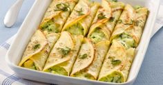 Cannelloni alle verdure - these were excellent, though time-consuming Veggie Recipes, Gourmet Recipes, Vegetarian Recipes, Cooking Recipes, Italian Dishes, Italian Recipes, Crespelle Recipe, Ravioli, Beignets