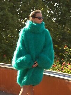 Green Turtleneck, Green Sweater, Fluffy Sweater, Mohair Sweater, Gros Pull Mohair, Red T, Hooded Poncho, Mohair Yarn, Pulls
