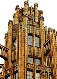 The Manchester Unity Building (on the north-west corner of the intersection of Collins Street and Swanston Street) is a neo-Gothic skyscraper constructed in 1932